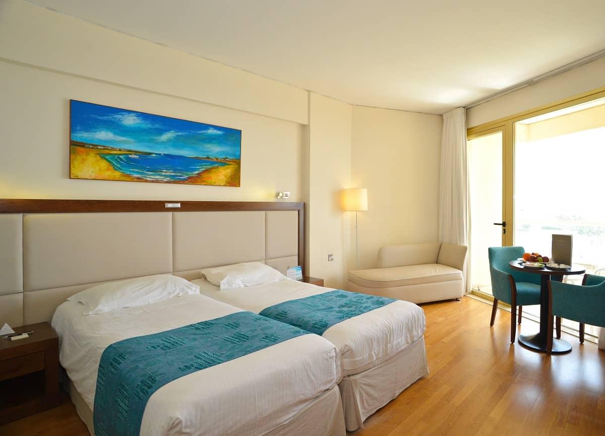 Golden Bay Beach Hotel 5 Sterne Hotel in Larnaca - Zimmer
