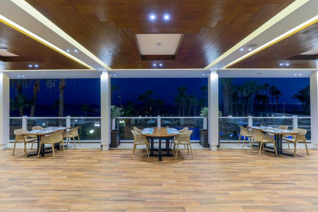 Yacht Club Restaurant